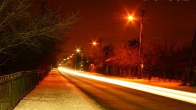 У Баранівці місцевий водоканал облаштовує вуличне освітлення