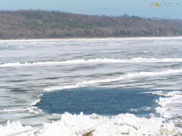 У Попільнянському районі врятували рибалку, який провалився під лід