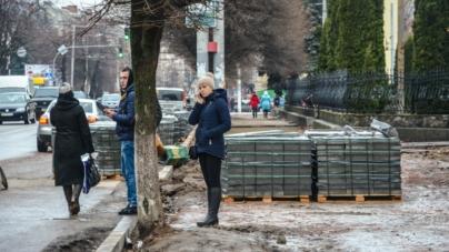 Мерія буде судитися з підрядником по реконструкції тротуарів