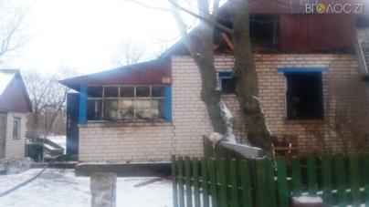 На пожежі у Черняхівському районі загинули мати і син