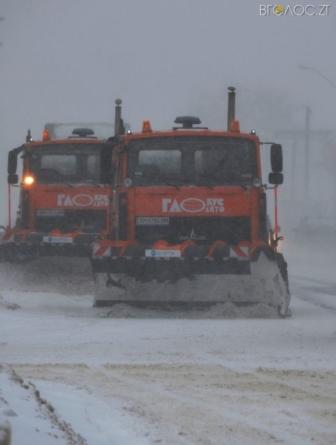 Житомирські комунальники розповіли, чому крига на дорогах застала їх зненацька