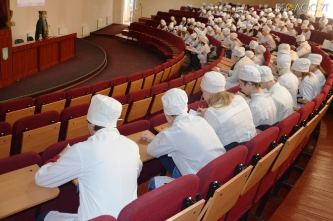Взаємодіяти з бійцями АТО, які мають посттравматичний стресовий розлад, навчали житомирських майбутніх медиків (ФОТО)