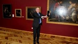 """Цілу серію """"селфі"""" у музеї зробив голова обласної ради Ширма"""