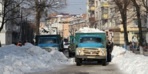 За 930 годин прибирання снігу управління автомобільних шляхів заплатить понад півмільйона