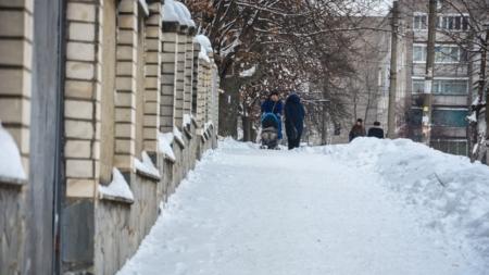 Зимова вулиця Гагаріна: фотоекскурсія Житомиром триває