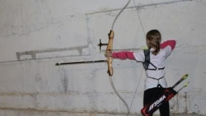 У Житомирській школі навчають дітей олімпійському виду спорту – стрільбі з лука (ФОТО)