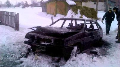 У Романівському районі автомобіль згорів разом із власником