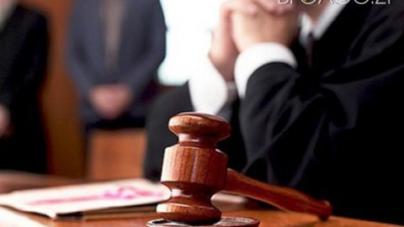 Матір, яка залишила без догляду трьох малолітніх дітей, судитимуть