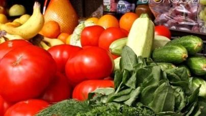 На Житньому ринку виявили перевищення допустимого вмісту нітратів в ранніх овочах