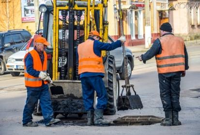 Житомирська міськрада заплатила понад мільйон дружині екс-депутата за ремонт доріг
