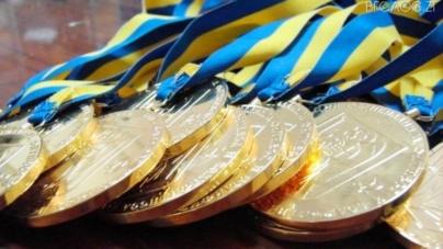 50 стипендій призначили провідним спортсменам області