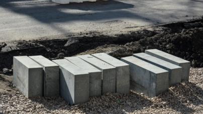 У Житомирі продовжують робити тротуари (ФОТО)