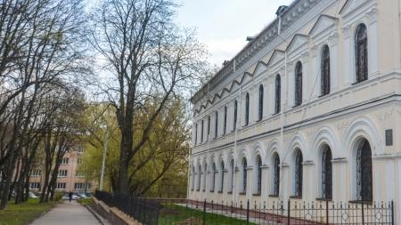 Фотоекскурія Житомиром: вулиця Кафедральна та майдан Замковий