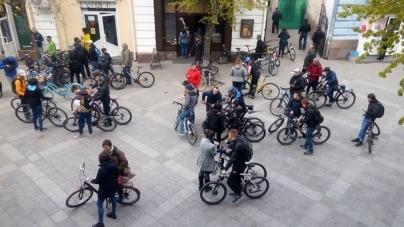 Майже 200 житомирян приїхали на роботу велосипедом (ФОТО)