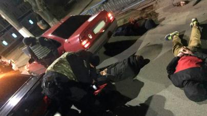 Судимий за вбивство батька і дев'ятикласник разом зі спільниками грабували жителів області