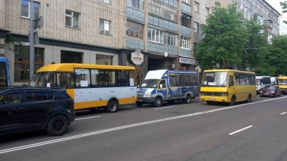 Житомиряни дали міськраді 12 підказок, як навести порядок із маршрутними «таксі»
