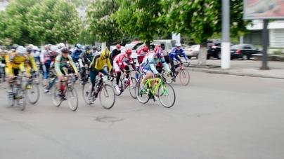 """У Житомирі стартувала перша міжнародна велосипедна гонка """"Поліська сотка"""" (ФОТО)"""