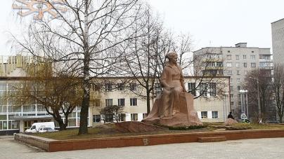 Новоград: майже мільйон витратять на ремонт площі Лесі Українки