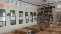 Майже на мільйон гривень придбали три комплекти меблів для ємільчинської школи