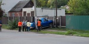 На вулиці Гонти у Житомирі автомобіль в'їхав у паркан