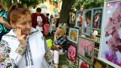 Майстри з усієї України представили свої вироби на ярмарку в Новограді (ФОТО)