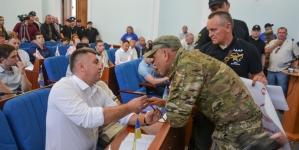 Сесія міської ради: одні штовхалися, інші – матюкалися (ФОТО)