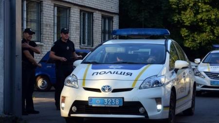 Напарники, зарплата, форма, автомобілі: житомирські поліцейські розповіли про свою роботу (ЛОНГРІД)