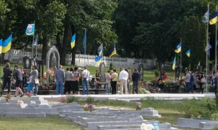 На Смолянському кладовищі знову висадять дуби пам'яті загиблих десантників
