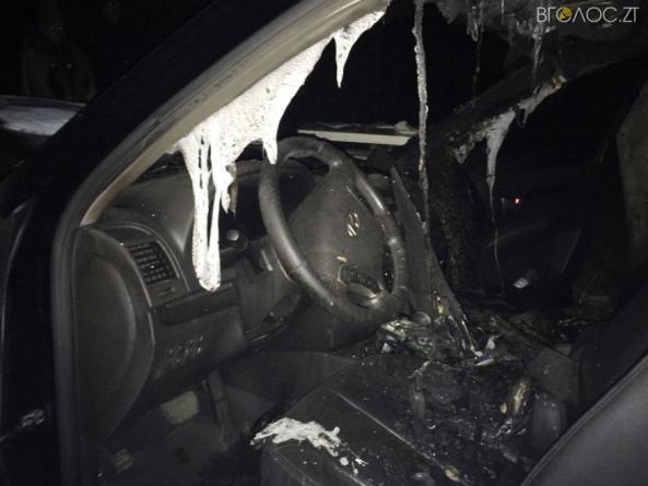 У Баранівському районі підпалили авто місцевої жительки