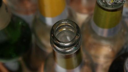 Судитимуть чоловіка, який купував та збував фальсифікований алкоголь