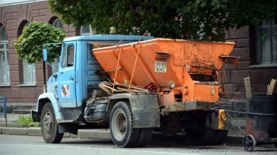 Житомирським комунальникам не вистачає на пісок та сіль понад 4,5 мільйона