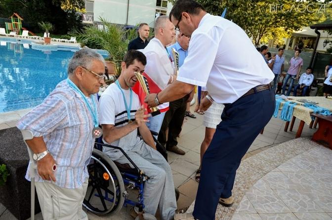 Чемпіон Олександр Гонгальський збирає кошти, щоб поїхати на Кубок світу з шашок