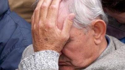 Незнайомка видурила у житомирського 89-річного пенсіонера 100 тисяч, які він збирав усе життя, – поліція