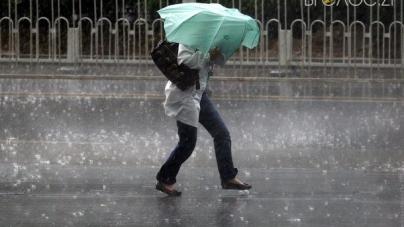 Штормове попередження: на Житомирщину рухається ураган з Румунії