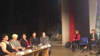 """Театр Кочерги: більшість акторок замінять у новому сезоні, оскільки дівчата йдуть у """"декрет"""""""
