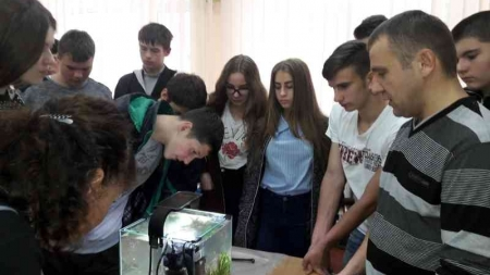 У екологічному ліцеї провели майстер-клас із створення наноакваріума