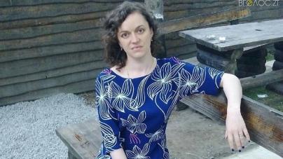 27-річна Олена Пелешок з Новограда потребує термінової допомоги у боротьбі з важкою хворобою
