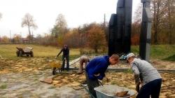 У Народицькому районі розпочали реставрацію меморіалу Героям Базару