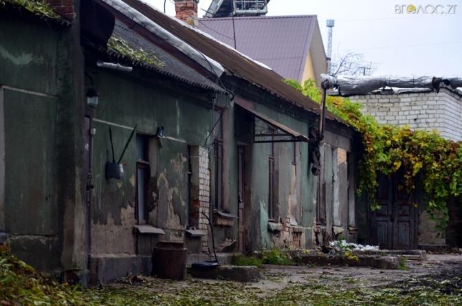 ВАДИ, ХИБИ ТА ОГРІХИ: що не так із вулицею Лесі Українки (ФОТО)