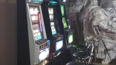 Чорнову бухгалтерію, 200 одиниць техніки та гроші вилучили у гральних закладах Житомира