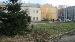 Підозрілий пакунок на розі Грушевського-Покровської перевіряли поліція та вибухотехніки (ФОТО)