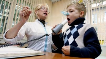 Житомиряни скаржаться, що єдиного у місті дитячого лікаря-алерголога – на всіх не вистачає