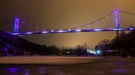 Пішохідний міст залишився без ілюмінації. Вкрали блок управління кольорового освітлення