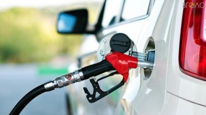 """На 307 мільйонів АЗС області """"заправили"""" автомобілістів у жовтні. Реалізація бензину впала"""