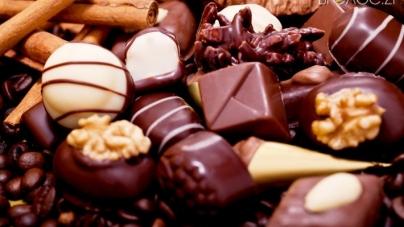 Вінницькі «кондитери» хотіли продати прострочені цукерки для житомирських дітей