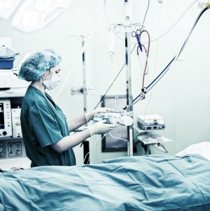 Житомир: після конфлікту на роботі чоловік потрапив у реанімацію з переломом кісток черепа