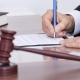 Судитимуть пенсіонера правоохоронних органів, який у стані алкогольного сп'яніння побив патрульного