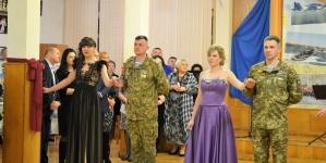 У Житомирі вперше відбувся військовий благодійний бал (ФОТО)