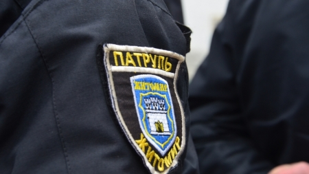 У Житомирі п'яний водій, намагаючись втекти, збив поліцейського