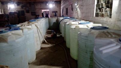 В області судитимуть чоловіків, які в підпільному цеху виготовили 15 тонн алкоголю